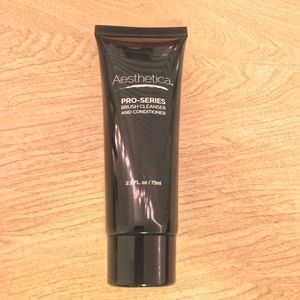 Aesthetica Pro Series Brush Cleanser